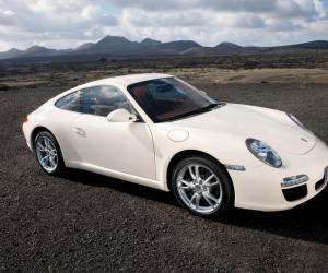 Porsche 911 Carrera S photo 1