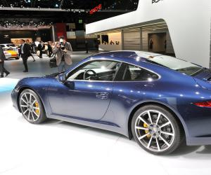 Porsche 911 Carrera S photo 12