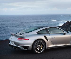 Porsche 911 Turbo S photo 1