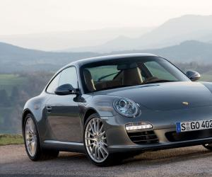 Porsche Carrera 4 photo 3