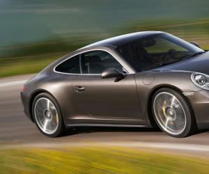 Porsche Carrera 4 photo 8