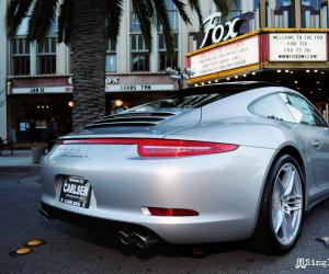 Porsche Carrera 4 photo 16