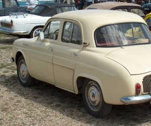 Renault Dauphine photo 10