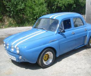 Renault Dauphine photo 12