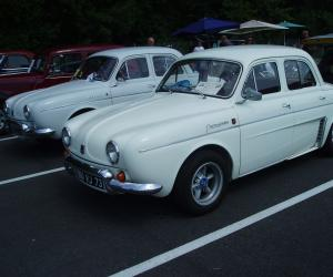 Renault Dauphine photo 13