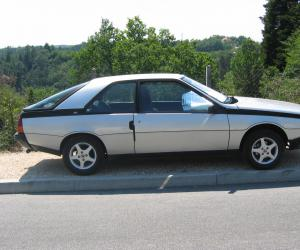 Renault Fuego photo 1