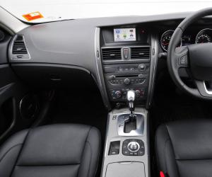 Renault Latitude photo 9