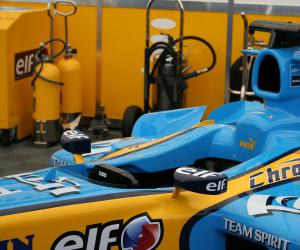 Renault R 25 photo 10