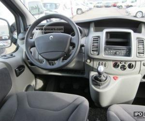 Renault Trafic Passenger photo 17