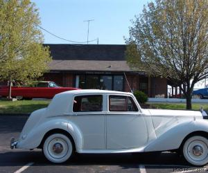 Rolls-Royce Silver Dawn photo 8