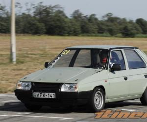 Skoda Favorit photo 5