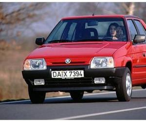Skoda Favorit photo 18
