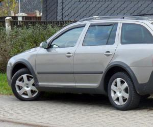 Skoda Octavia Scout photo 2