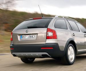 Skoda Octavia Scout 2.0 TDI photo 2