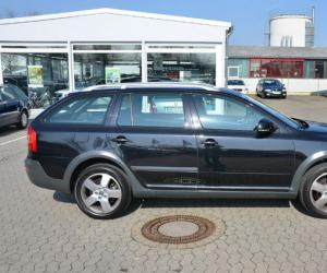 Skoda Octavia Scout 2.0 TDI photo 9