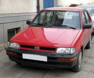 Subaru Justy photo 1