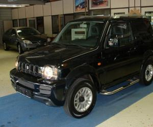 Suzuki Jimny Black & White photo 2