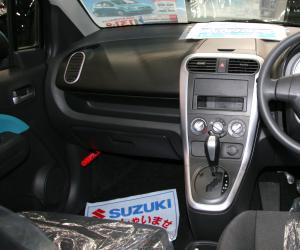 Suzuki Splash photo 8