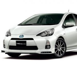 Toyota Aqua Hybrid photo 8