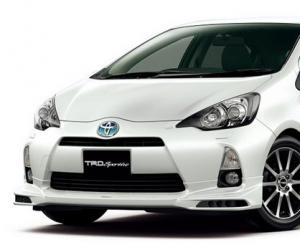 Toyota Aqua Hybrid photo 13