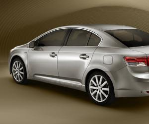 Toyota Avensis photo 1