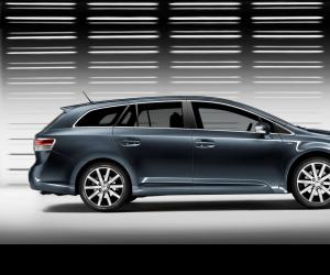 Toyota Avensis photo 3