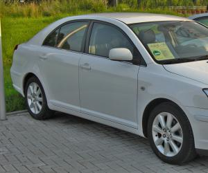 Toyota Avensis photo 4