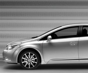 Toyota Avensis photo 6