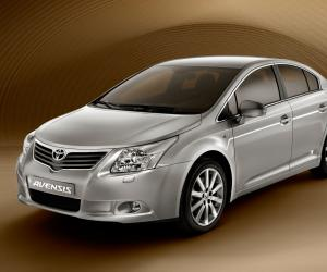 Toyota Avensis photo 9