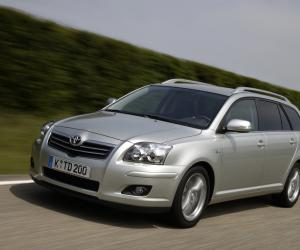 Toyota Avensis photo 13