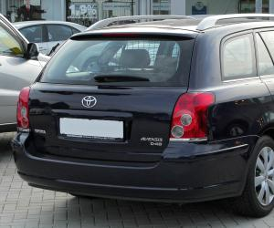 Toyota Avensis 2.0 D-4D photo 5