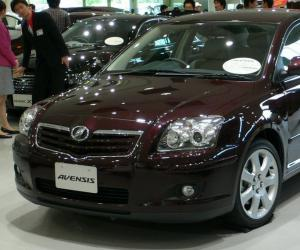 Toyota Avensis 2.0 D-4D photo 9