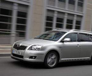 Toyota Avensis 2.2 D-CAT photo 8
