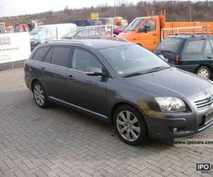 Toyota Avensis Combi Travel photo 1