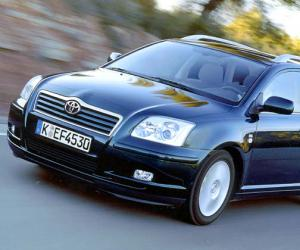 Toyota Avensis Travel photo 9