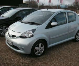 Toyota AYGO 1.0 photo 8