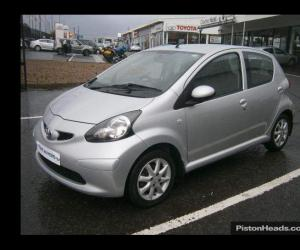 Toyota AYGO 1.0 photo 13