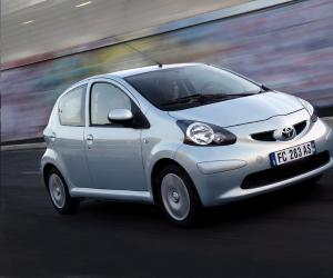 Toyota AYGO Cool photo 8