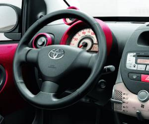 Toyota AYGO Cool photo 13