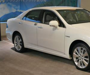 Toyota Crown photo 1