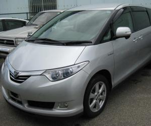 Toyota Estima Hybrid photo 4