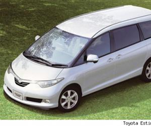 Toyota Estima Hybrid photo 8