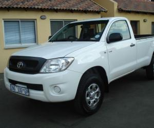Toyota Hilux 2.5 D-4D photo 1