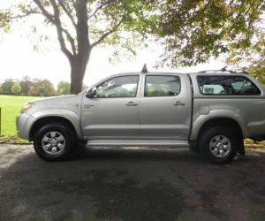 Toyota Hilux 2.5 D-4D photo 4