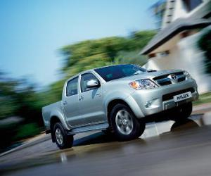 Toyota Hilux 2.5 D-4D photo 7
