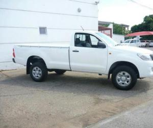 Toyota Hilux 2.5 D-4D photo 14