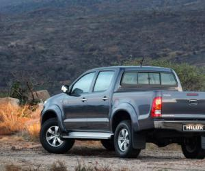 Toyota Hilux Double Cab 2.5 D-4D 4x4 photo 1
