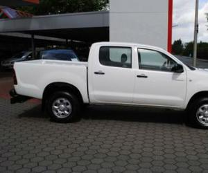 Toyota Hilux Double Cab 2.5 D-4D 4x4 photo 5
