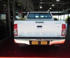 Toyota Hilux Double Cab 2.5 D-4D 4x4 photo 7