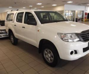 Toyota Hilux Double Cab 2.5 D-4D 4x4 photo 9